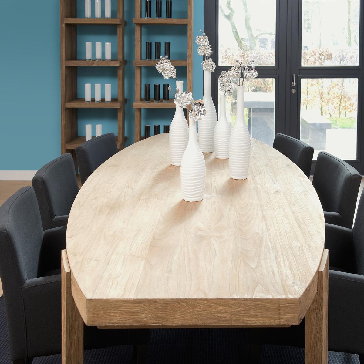 Обеденный стол Lekku 260 - Roomble - RoombleОбеденные столы<br>Огромный обеденный стол овальной формы и рустикального дизайна из массива тика. За таким шикарным столом всегда приятно собраться в кругу семьи и друзей.<br><br>Бренд: Teak House<br>Цвет: Коричневый<br>Размеры: 260 x 110 x 78 cm