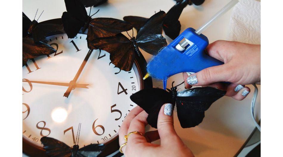 Как украсть часы своими руками