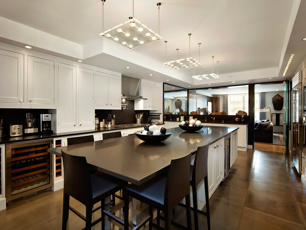 Кухня в цветах: черный, серый, светло-серый, белый, коричневый. Кухня в стилях: этника, эклектика.