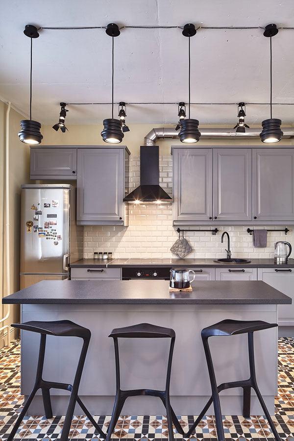 Кухня в цветах: желтый, серый, светло-серый, белый. Кухня в стилях: скандинавский стиль.