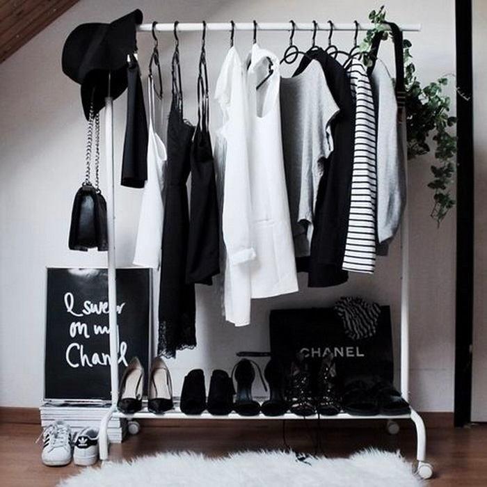 Студия в цветах: черный, белый. Студия в .
