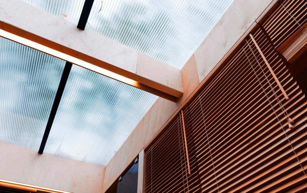 Архитектура в цветах: темно-коричневый, коричневый, бежевый. Архитектура в стилях: минимализм, экологический стиль.