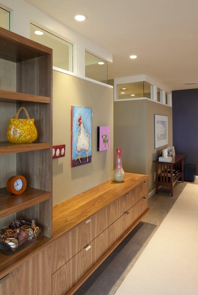 Гостиная, холл в цветах: серый, светло-серый, коричневый, бежевый. Гостиная, холл в .