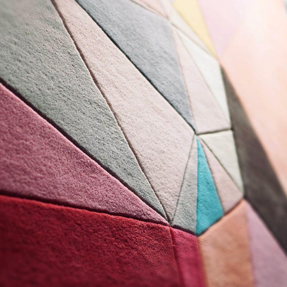 Фото в цветах: серый, светло-серый, белый, коричневый, бежевый. Фото в .