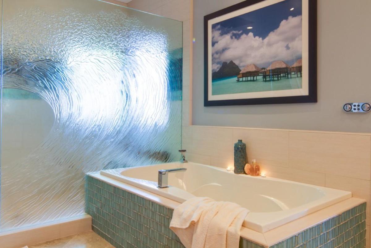 Лучший дизайн на стекле для ванной