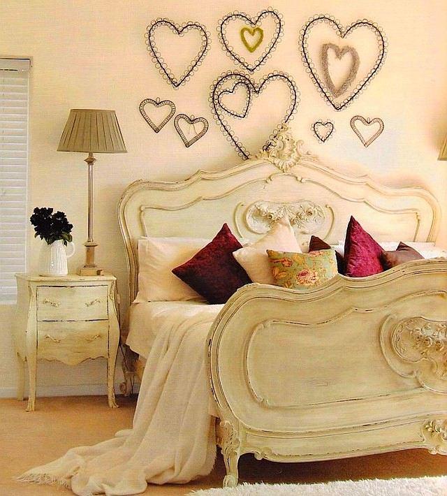 Как украсить стену в спальне своими руками фото 65