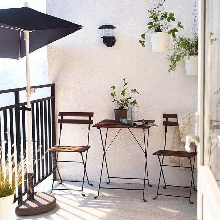 Балкон, веранда, патио в цветах: светло-серый, белый, коричневый. Балкон, веранда, патио в .