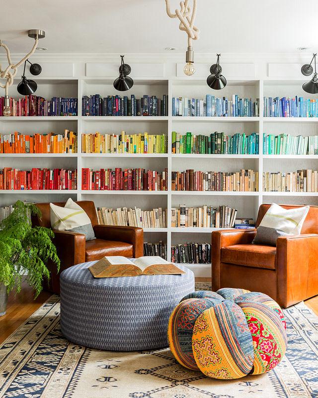 Мебель и предметы интерьера в цветах: серый, светло-серый, коричневый. Мебель и предметы интерьера в стиле эклектика.
