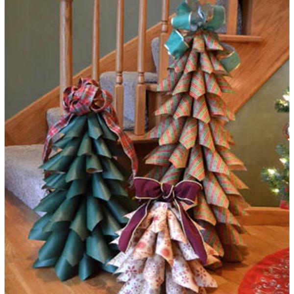 Большая новогодняя елка из бумаги своими руками