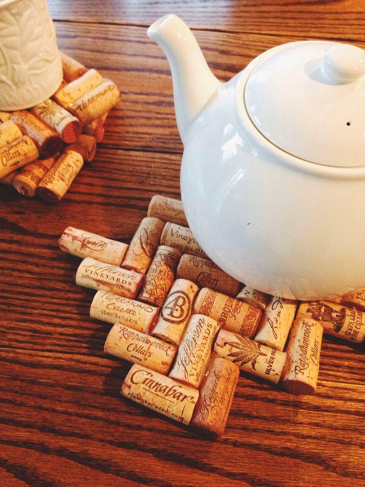 Как сделать подставку из винных пробок своими руками