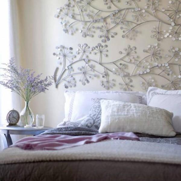 Украсить стены в спальне