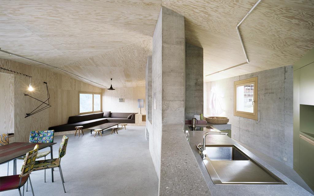 Как сделать бетонные стены в доме